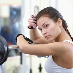 базовые упражнения в тренажерном зале.