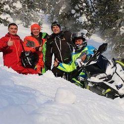 Президент Татарстана перевернулся на снегоходе в лесу (ФОТО)